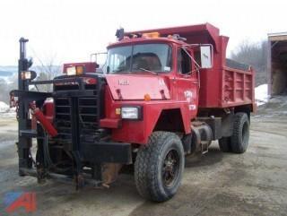 1988 Mack RD686P Dump