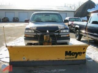 2002 Chevrolet Silverado 1500 Pickup w/ Plow