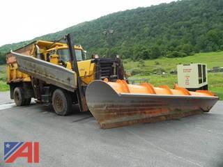 1988  Mack  RM6884  Dump w/ Plow