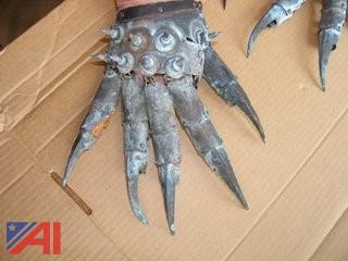 Set of metal Gothic Gloves ??? See Photos