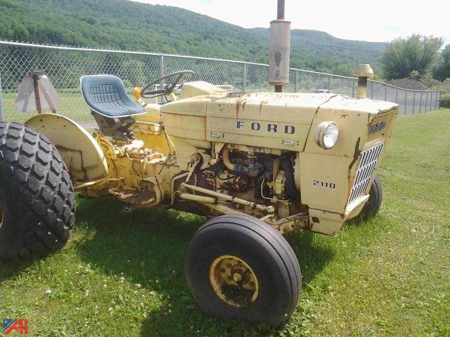 Ford 2110 Tractor : Auctions international auction oneonta csd item