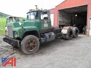 1985  Mack  R688ST  Tractor truck