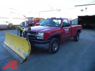 2004 Chevrolet Silverado 2500HD Pickup w/ Plow