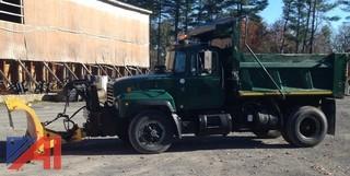 2000 Mack RD600 Dump w/ Plow