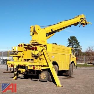 1981 International Cargo Star Altec Digger Derrick