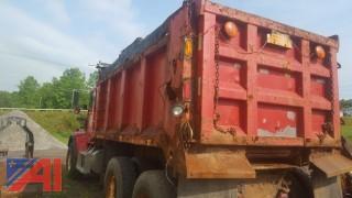2002 Freightliner FLD 120 Dump Truck