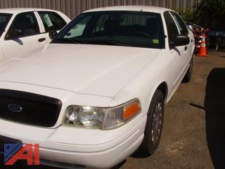 2004 Ford Crown Victoria 4 Door Sedan/Police Interceptor