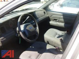 2004 Ford Crown Victoria 4 Door Sedan/Police Interceptor