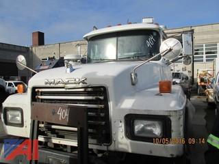 2002 Mack RD688SX Tractor Trailer