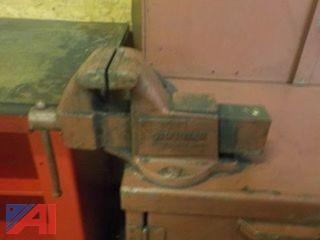 Rolling Tool Bench with Vice